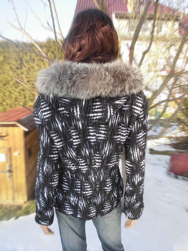 Katka 4 s kapucí
