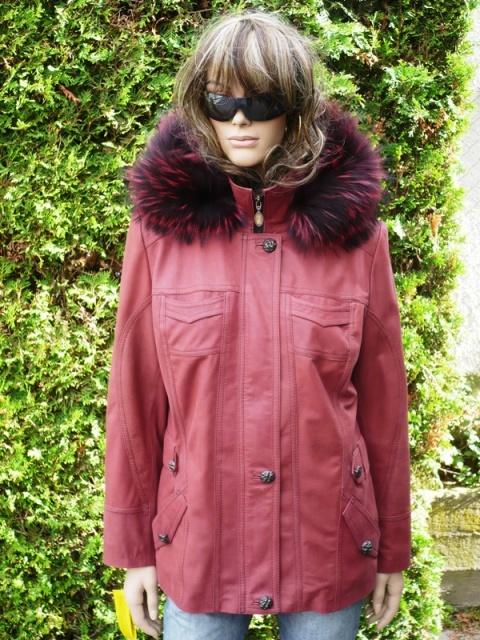 Denisa 4 s kapucí