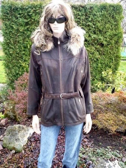 Monika s kapucí