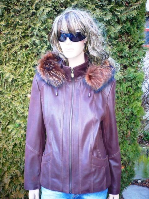 Sofie 4 s kapucí
