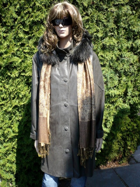 Marika 1 s kapucí
