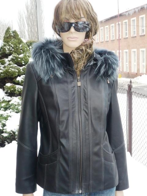 Sofie 5 s kapucí