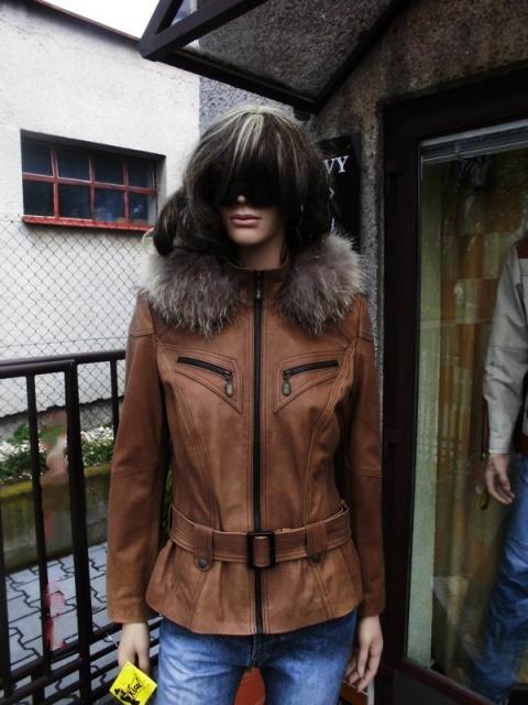 Tereza 14 s kapucí