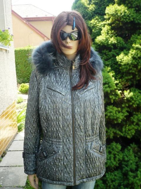 Ilona 2 s kapucí