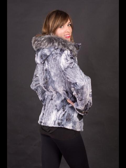 Katka 2 s kapucí
