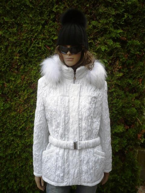 Sandra 2 s kapucí