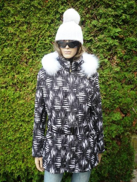 Sandra 1 s kapucí