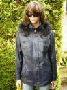 Denisa 2 s kapucí