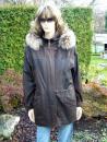 Dona s kapucí
