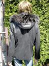 Radka 4 s kapucí